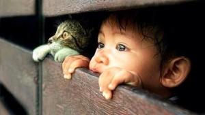 chlapec a macka