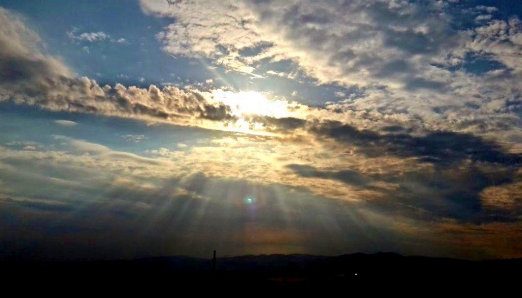 luce na oblohe 2