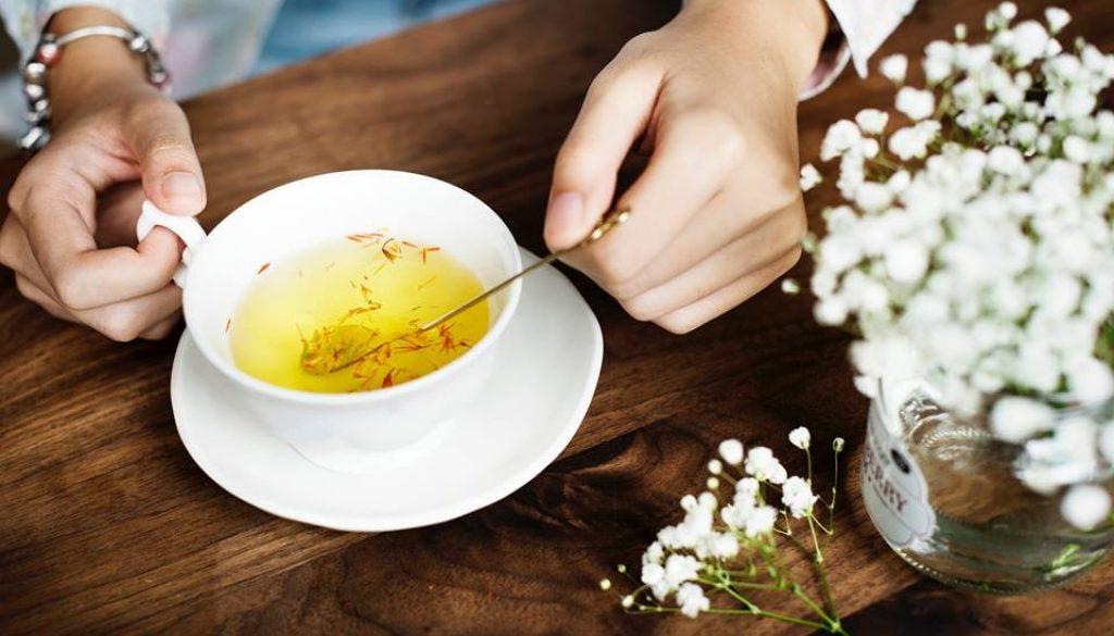 Poučný príbeh: Pohár a čaj